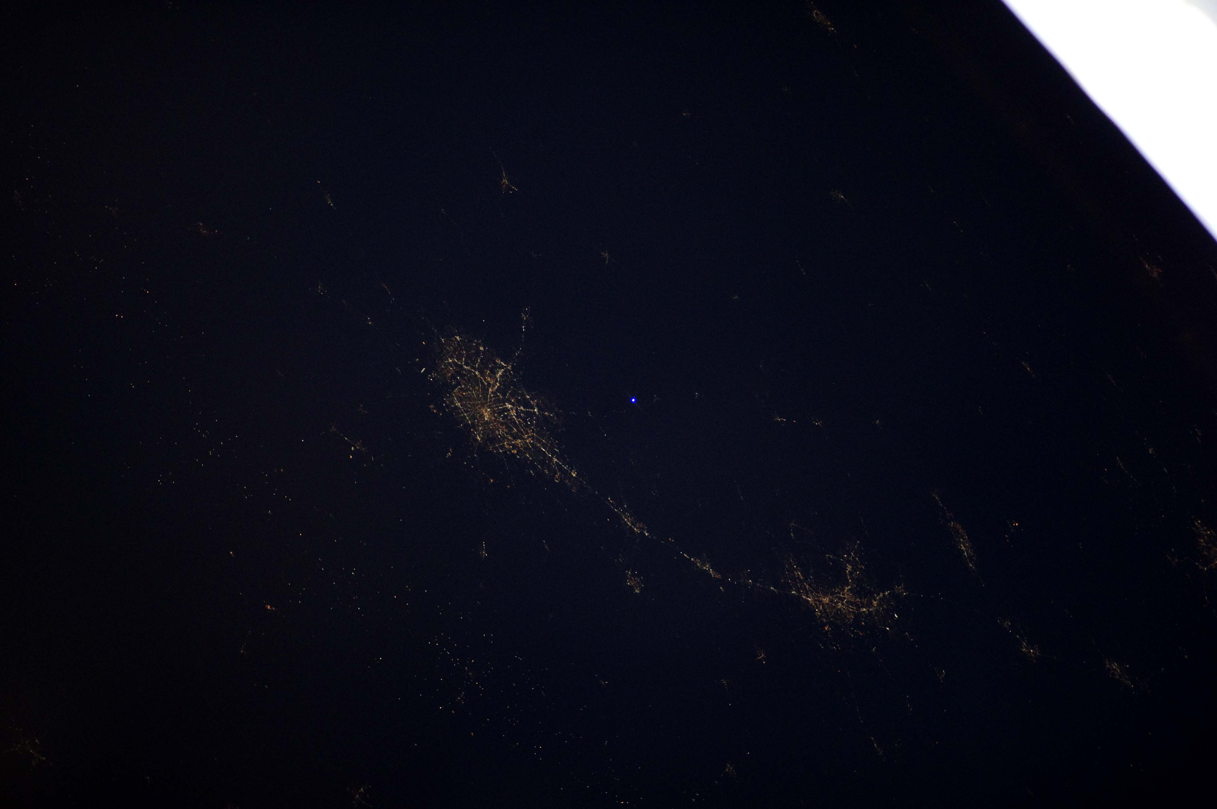 Click image for larger version.  Name:ISS flash8 336_0857.jpg Views:57 Size:390.3 KB ID:24084