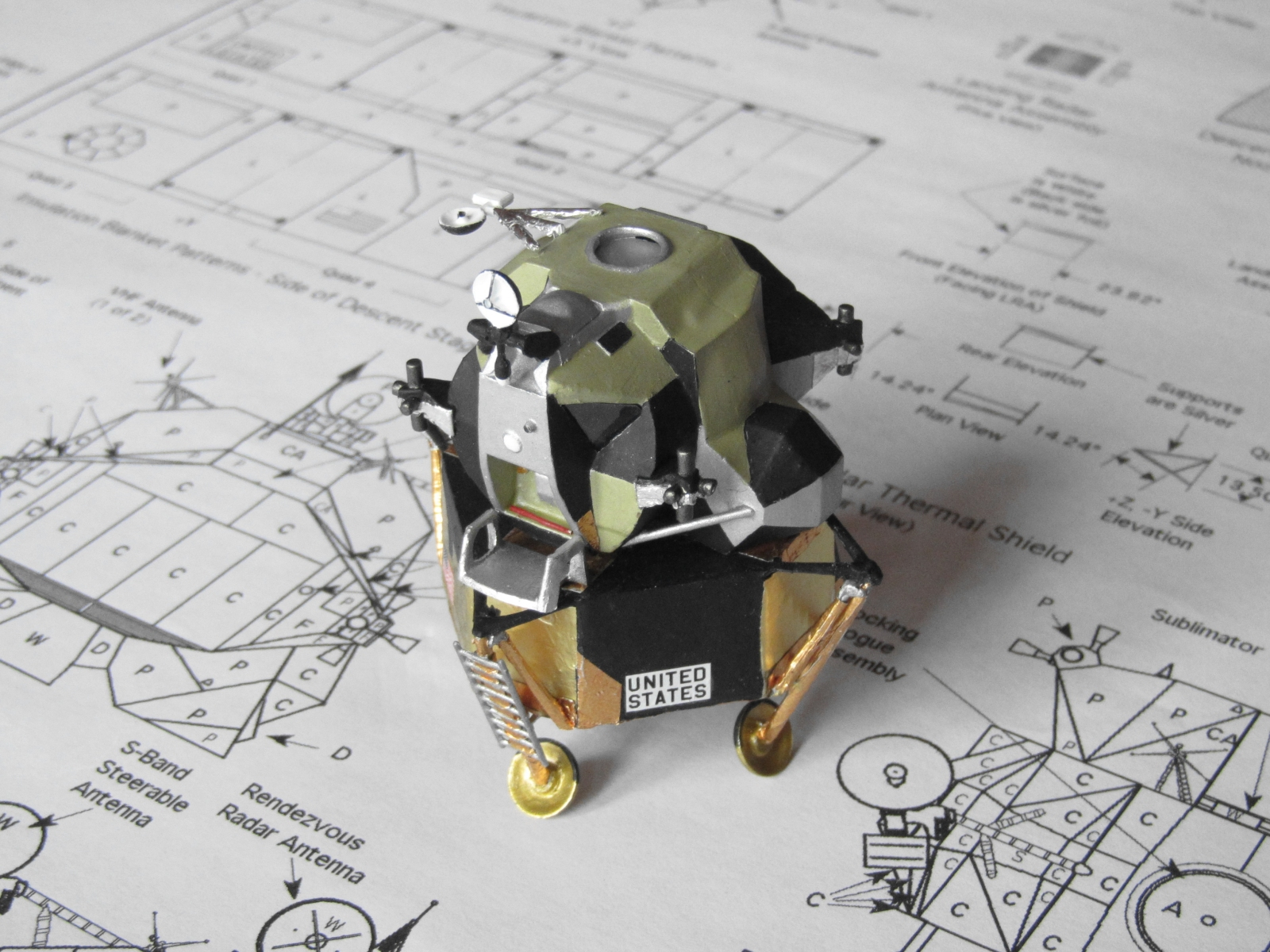 Click image for larger version.  Name:Lunar module 1.jpg Views:18 Size:972.7 KB ID:24366