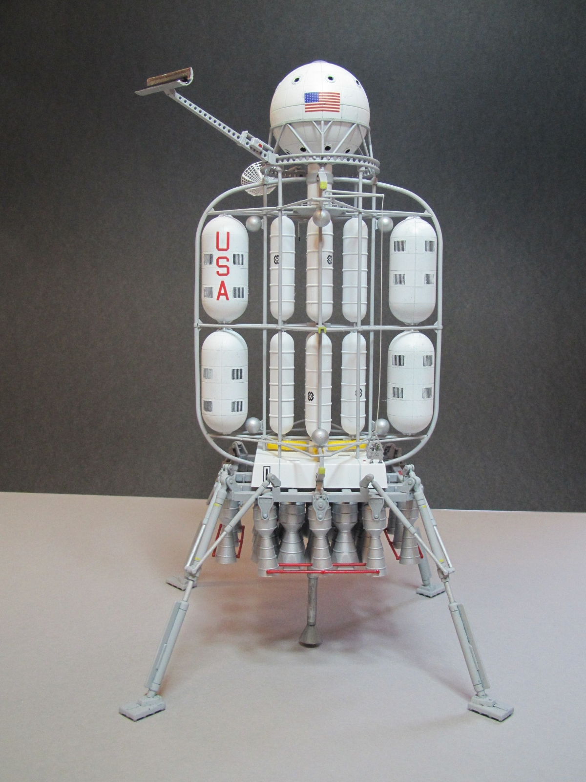 Click image for larger version.  Name:von braun lander 1.jpg Views:26 Size:1.02 MB ID:24557