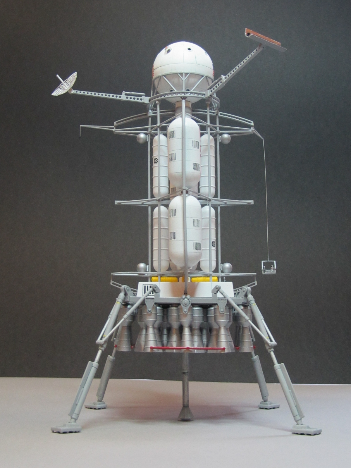 Click image for larger version.  Name:von braun lander 3.jpg Views:20 Size:948.6 KB ID:24558