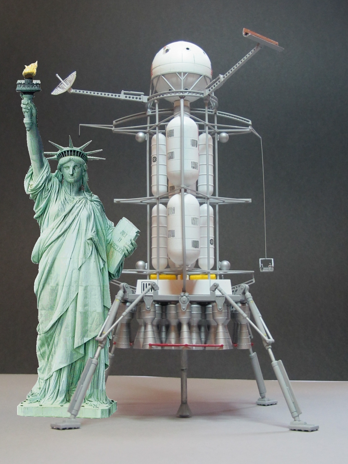 Click image for larger version.  Name:liberty lander.jpg Views:20 Size:1.04 MB ID:24561