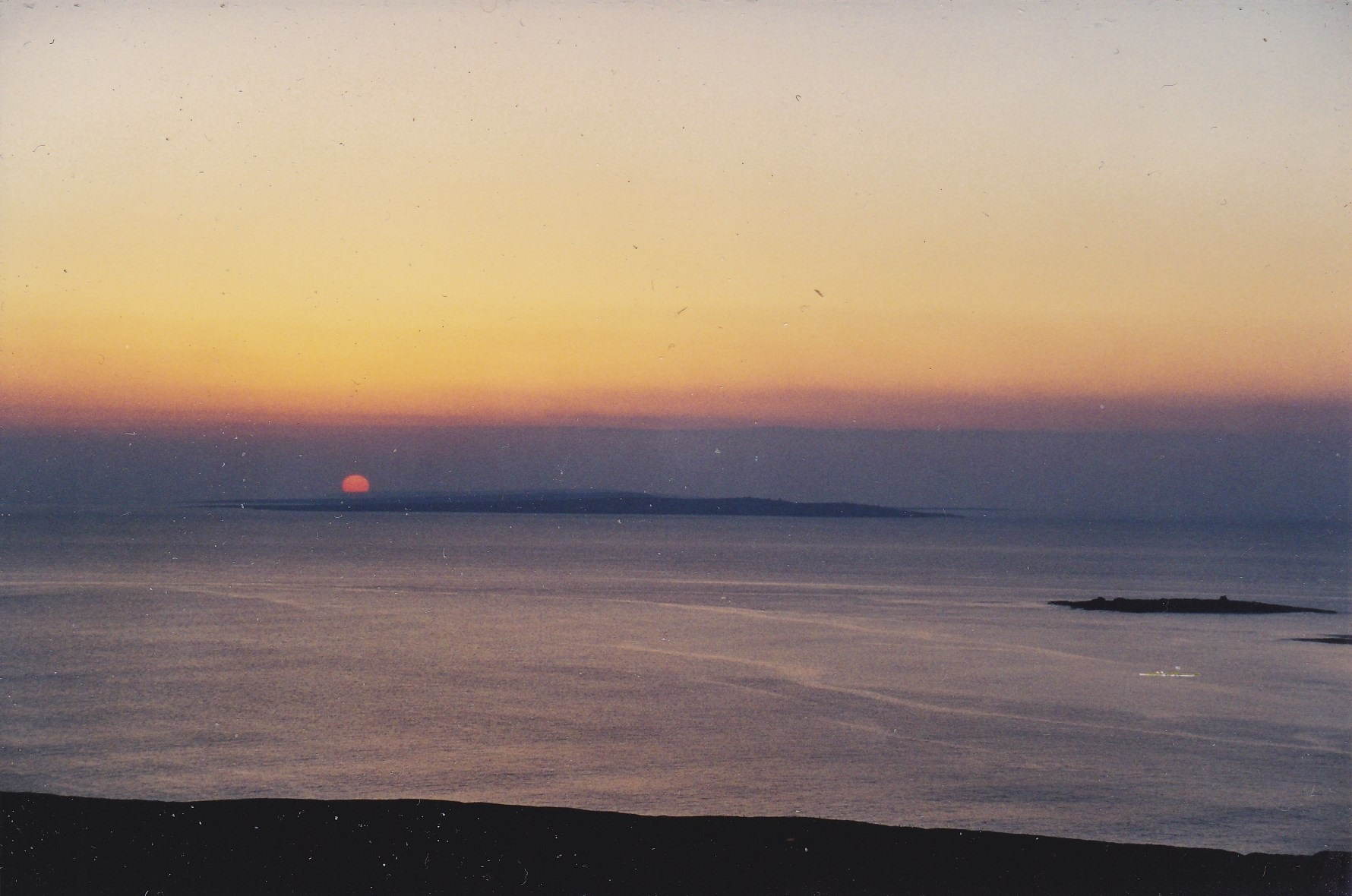Click image for larger version.  Name:Sunset over Arran.jpg Views:24 Size:440.5 KB ID:24841
