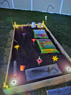 Click image for larger version.  Name:garden 002.jpg Views:19 Size:26.9 KB ID:26170