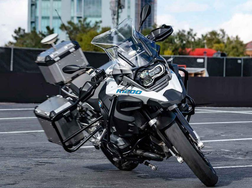 Click image for larger version.  Name:BMW-Autonomous-R1200GS.jpg Views:63 Size:191.2 KB ID:24723